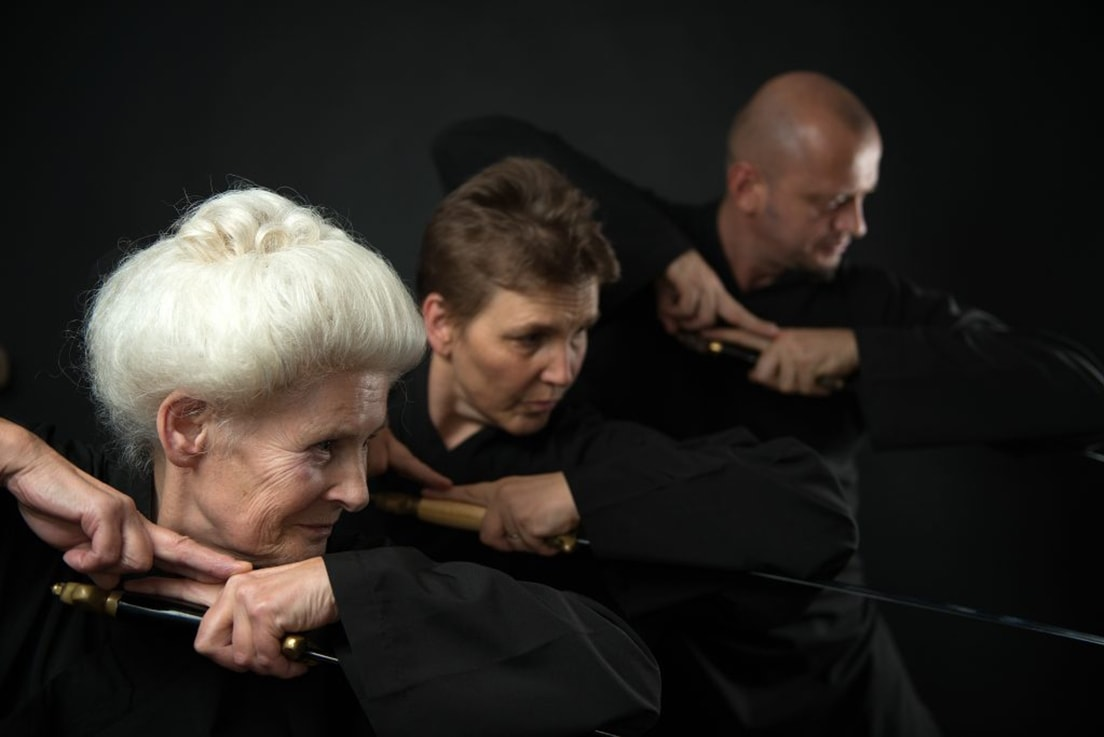 Meditation in Bewegung, Waffenkampfkunst